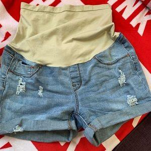 Pants - Really cute maternity shorts!! Size large!